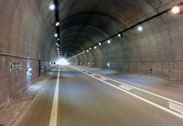 luxiot-tunel-colindres-nimbus-dia